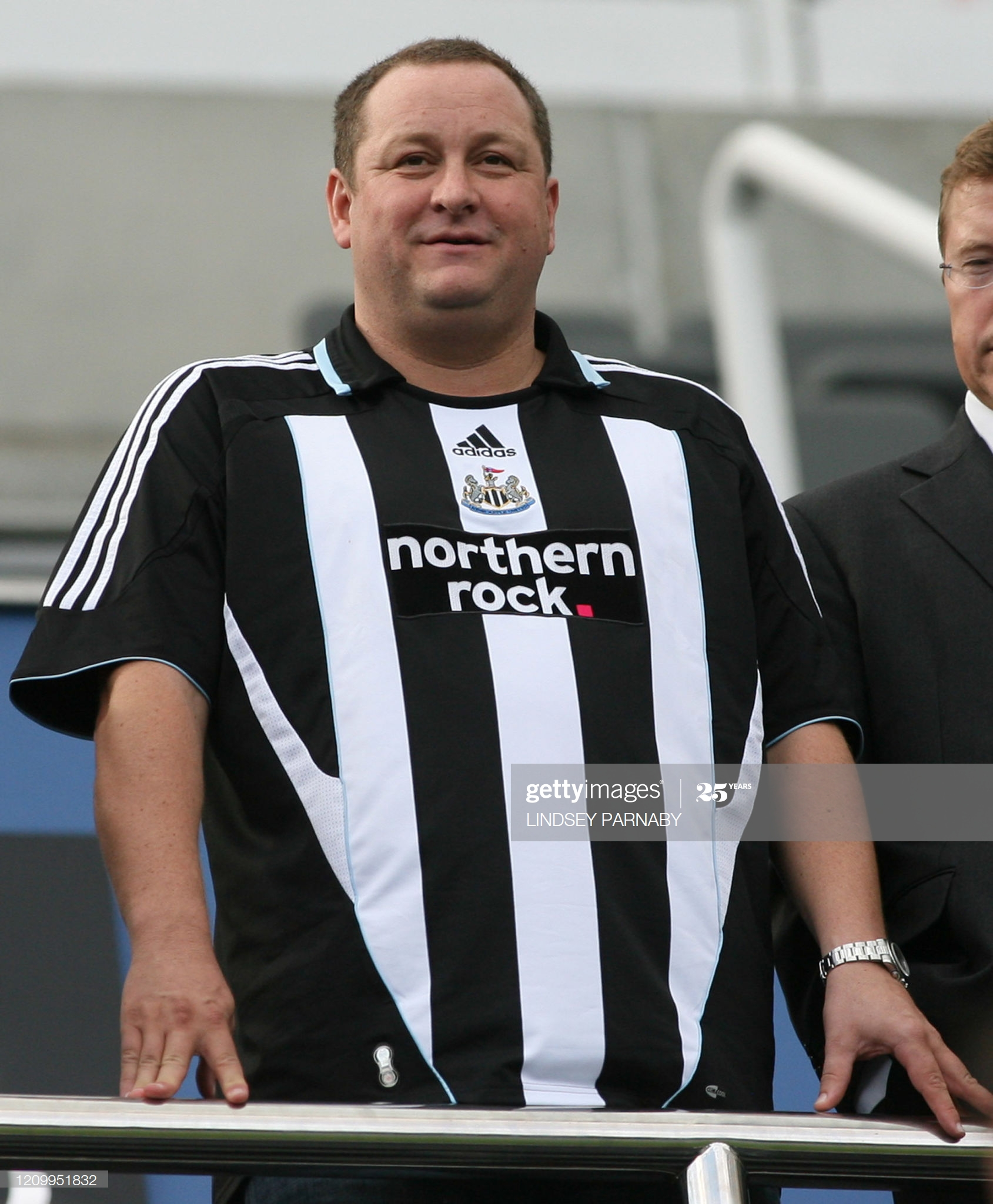 Newcastle owner Mike Ashley becomes impatient over new owner takeover